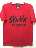 [SKUNK records}-FRONT Logo S/S TOPS-RED-