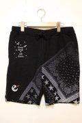 [range] pile bandanna print shorts -black-